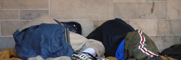 Bezdomni odrzucają pomoc